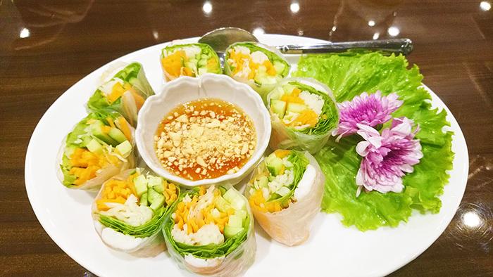 タイ料理赤羽PAPAYAの春巻き
