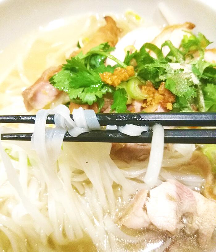 赤羽タイ料理PAPAYAのクンティエムナムエムナムのライス麺