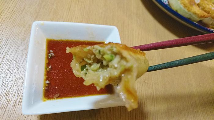 東十条の餃子の店の栄泉食品の餃子