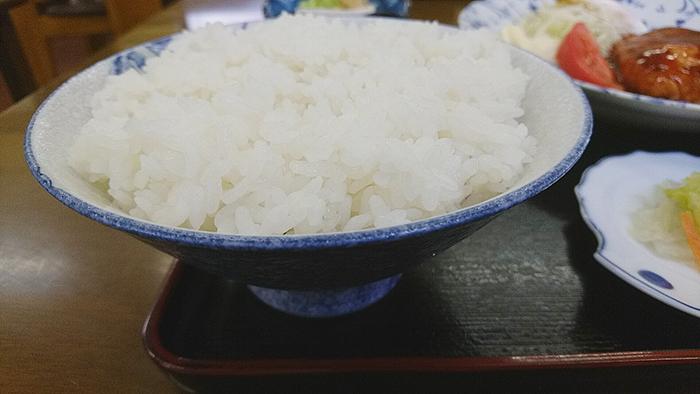 赤羽の竹山食堂の定食のご飯