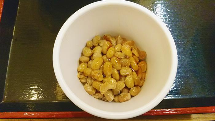 そばいちエキュート赤羽店の朝定食の納豆