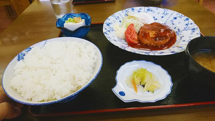竹山食堂のハンバーグ定食帝国ホテル風のランチ