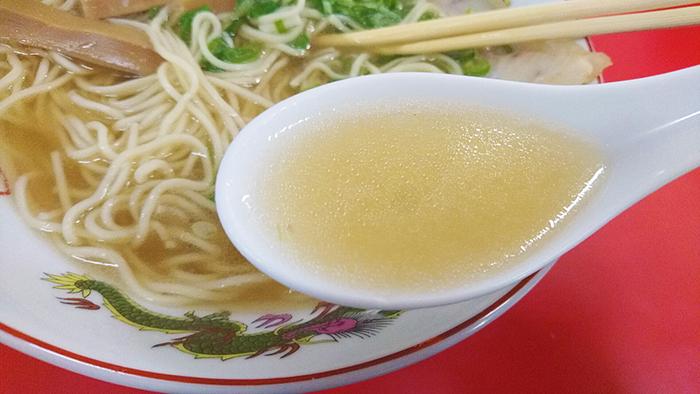 尾久駅の中華そば竹千代の絶品スープ。