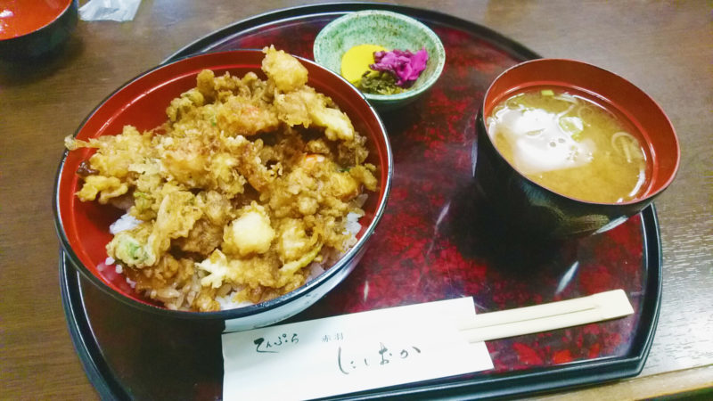 赤羽の天ぷらにしおかのランチかき揚げ丼の一式
