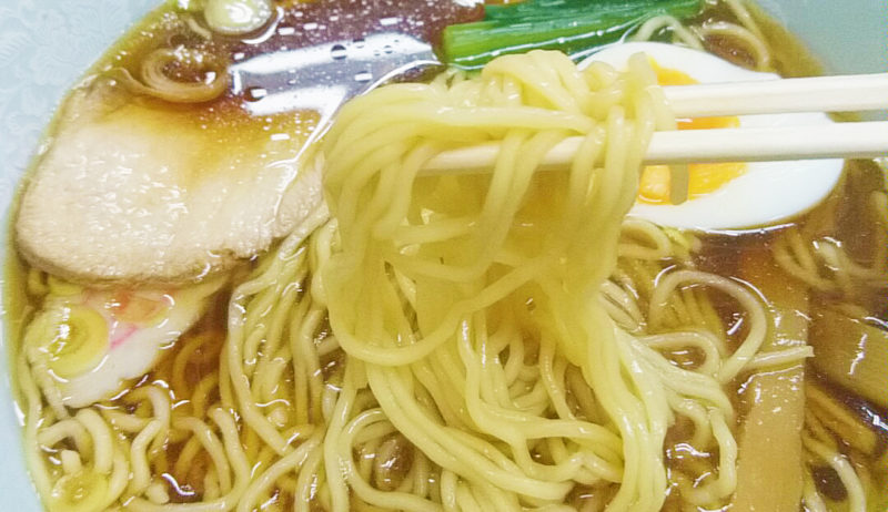 十条の玉屋の仙人ラーメンの麺