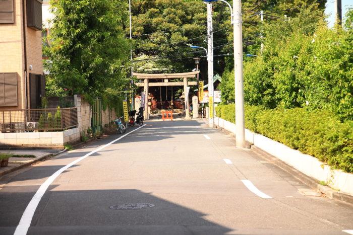 七社神社の参道