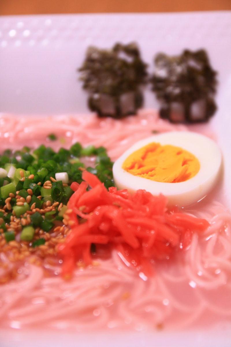 完成した東京ピンクとんこつラーメン