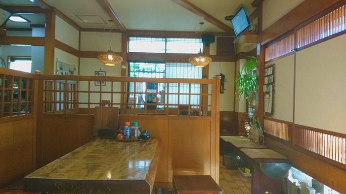 田端のそば処浅野屋の店内