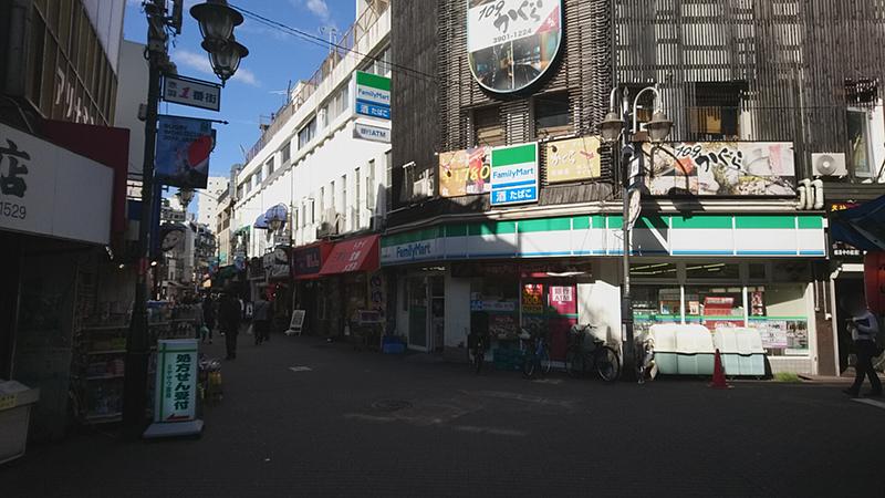 赤羽一番街のファミリーマート