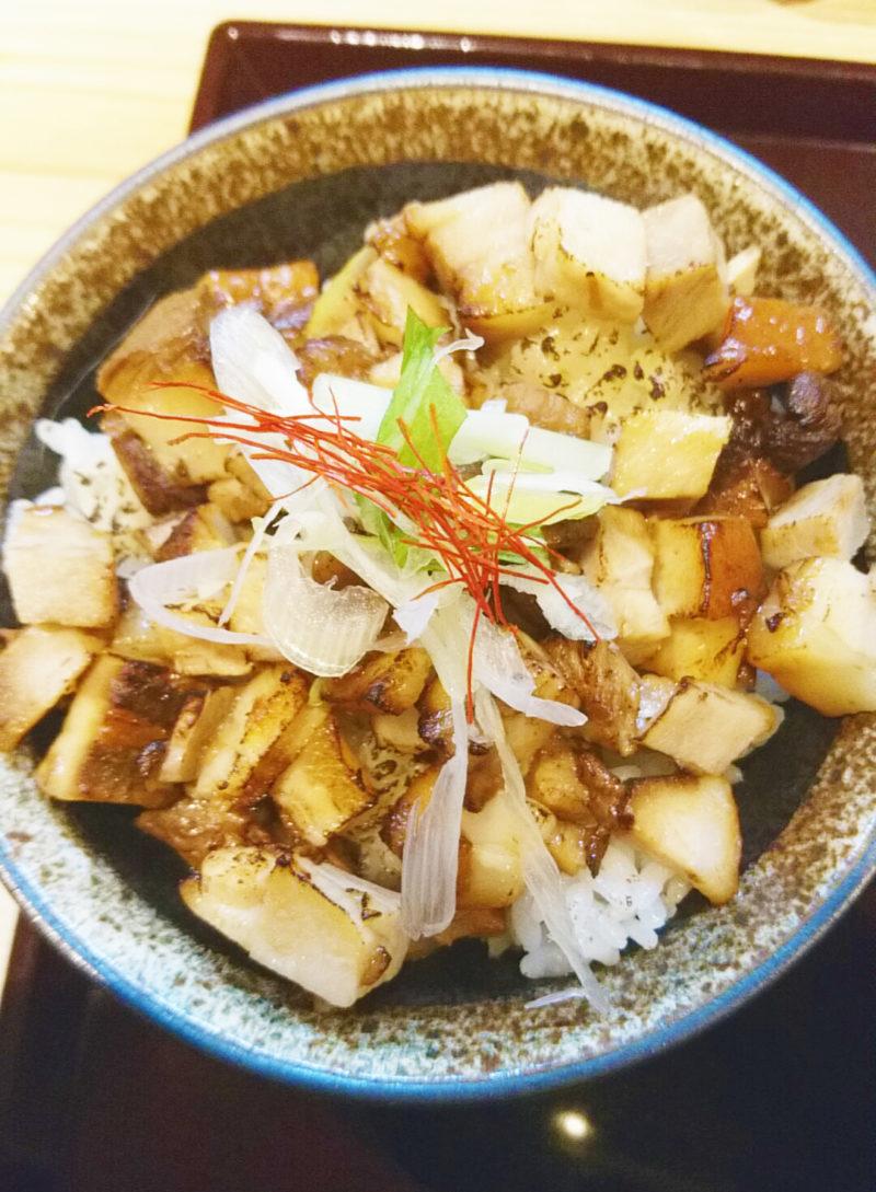 十条ちゅるりのこぼれチャーシュー丼