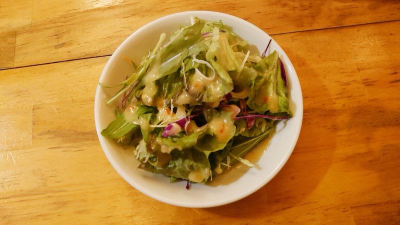 タイかぶれ食堂のサラダ