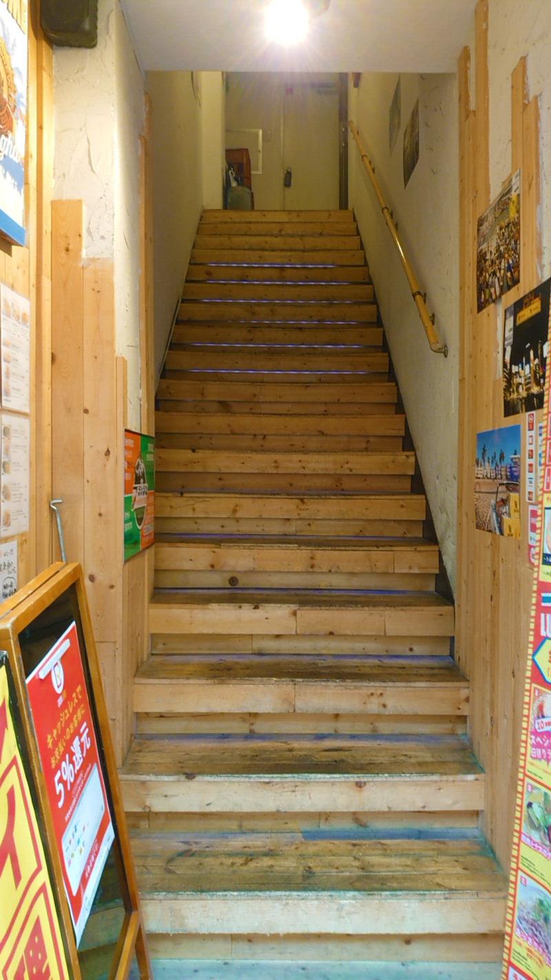 タイかぶれ食堂階段