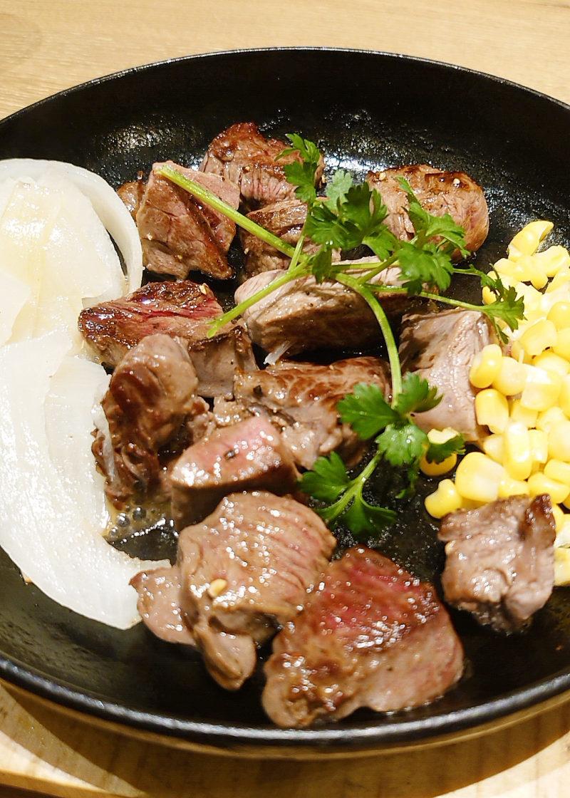 神田の肉バルRUMP CAP 赤羽店のMIXステーキ
