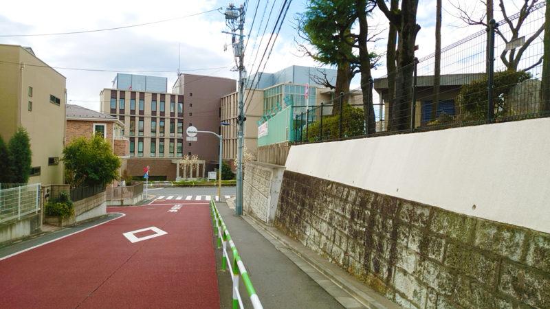 田端のらくろのデザインマンホール蓋への行き方