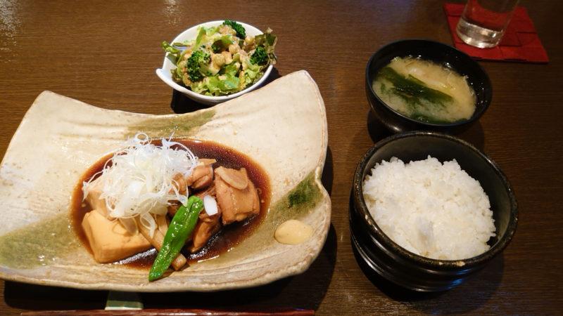 赤羽 醸し屋 素郎slow 「鶏と豆腐の煮付定食」