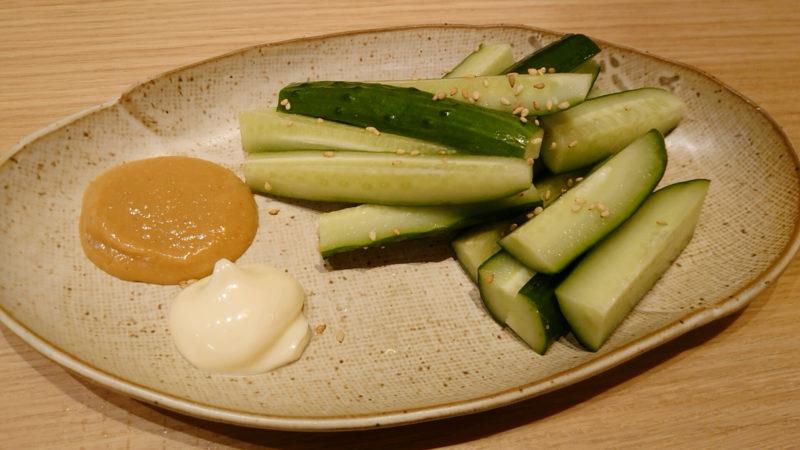 肉汁水餃子 チュウニイ 味噌マヨキュウリ