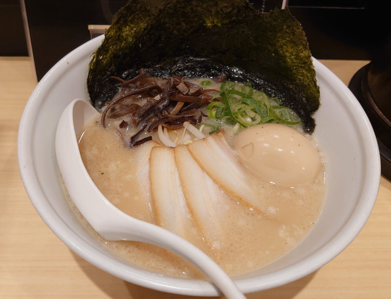 TOKYO豚骨BASE 豚骨白 味玉入り