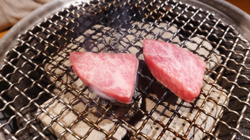 赤羽 炭火焼肉 香味苑 塩上カルビ