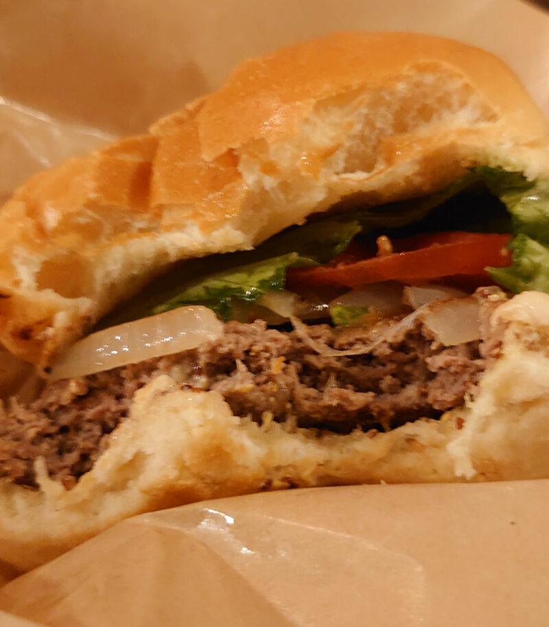 鉄板バル RENBOW 赤羽店 ハンバーガー