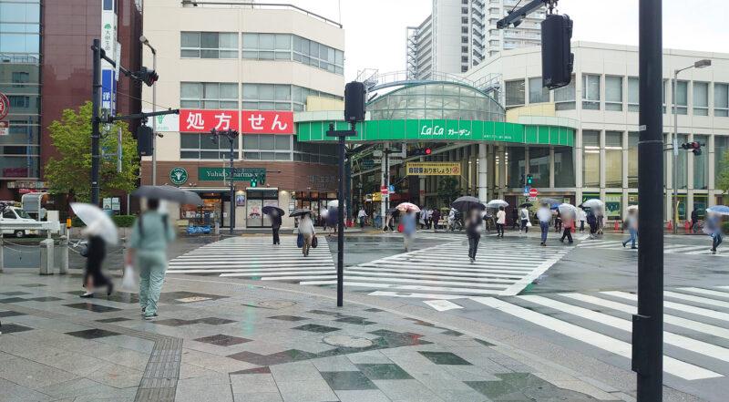 ソフトバンク赤羽駅前